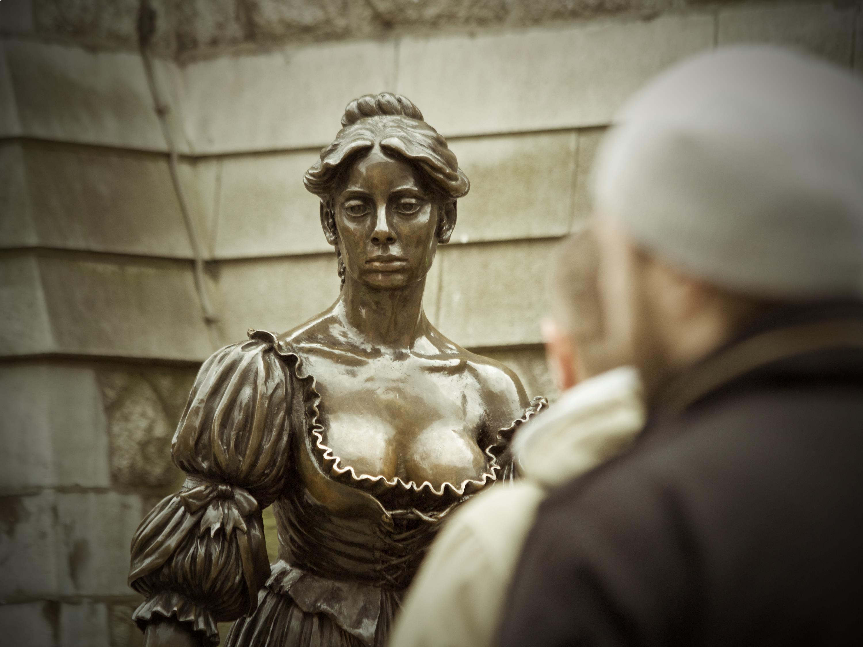 No article about Ireland would be complete without Molly Malone now would it?