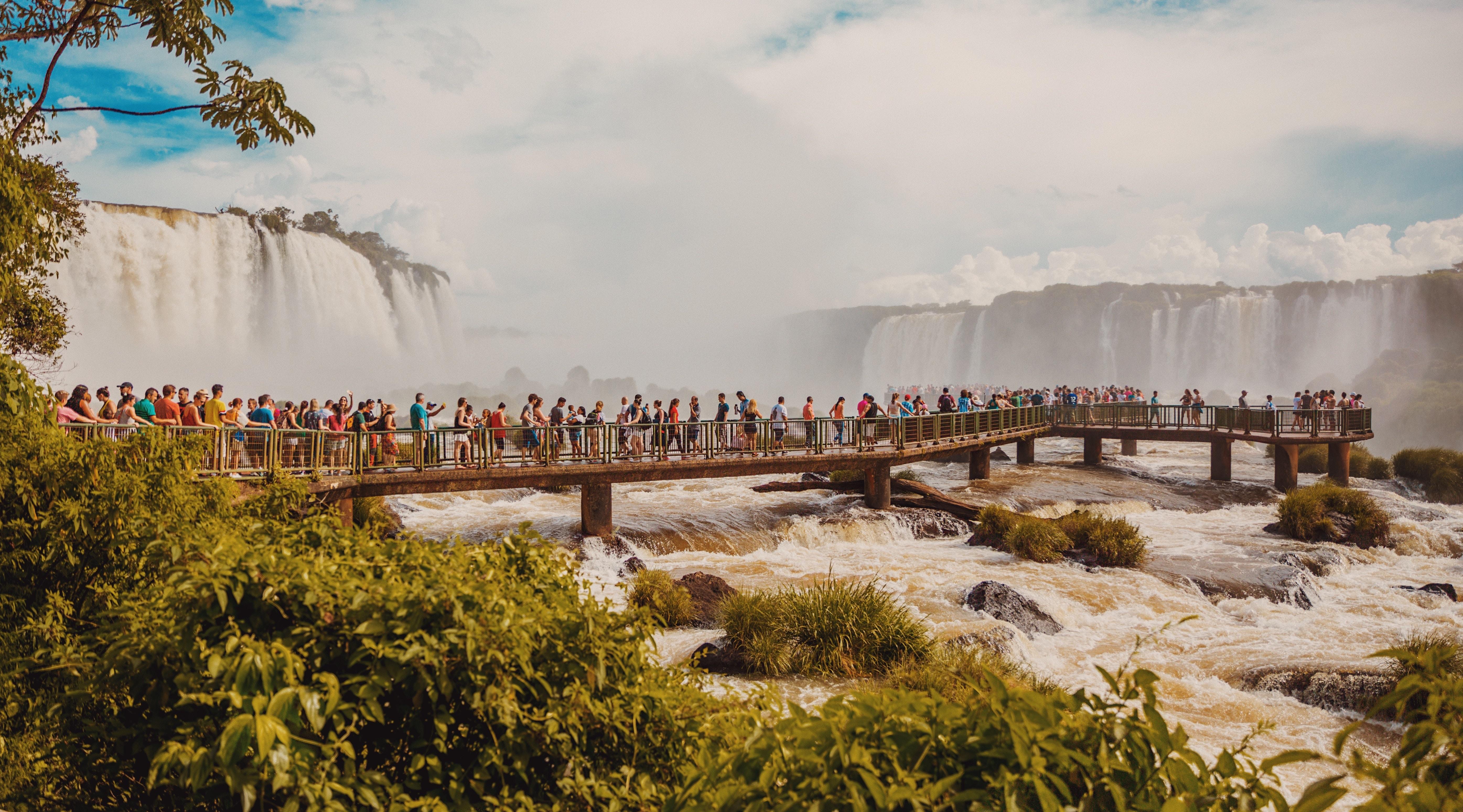 Cataratas do Iguaçu, Brazil.jpg