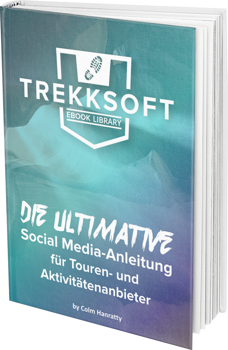 DE_Ultimate_Social_Media_Hardcover_Book_MockUp.png