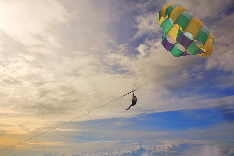 boss-fight-free-high-quality-stock-images-photos-photography-parasailing-gliding.jpg