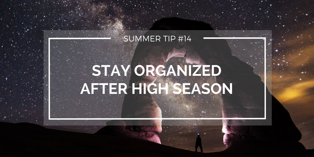 How to manage your resources at the end of high season [Checklist download]